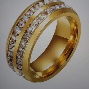 Women's 8mm wedding band.18k gold plated.